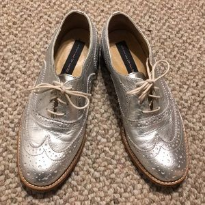 Steve Madden Silver wingtips shoes